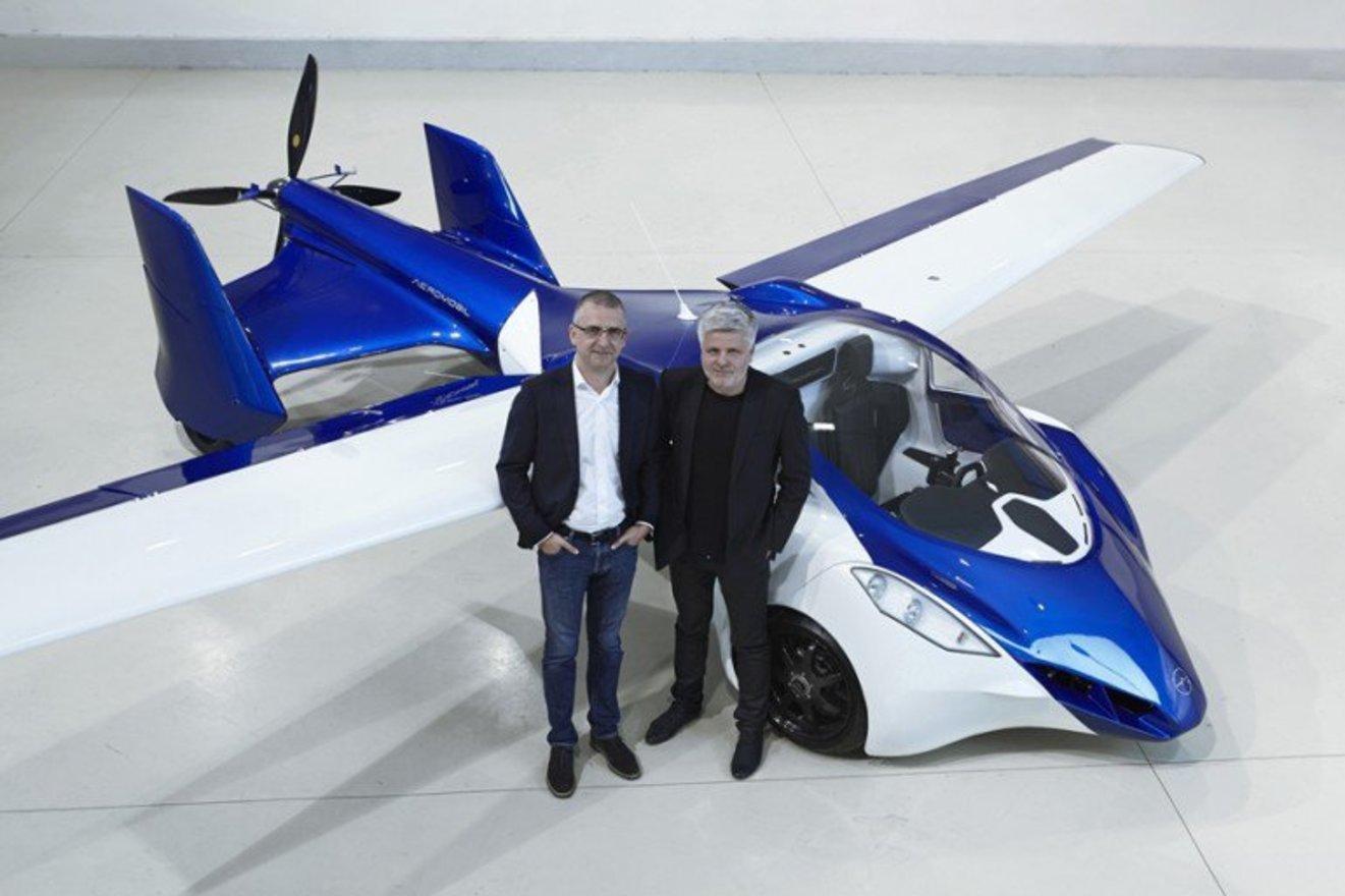 Aeromobil flying car team w1400