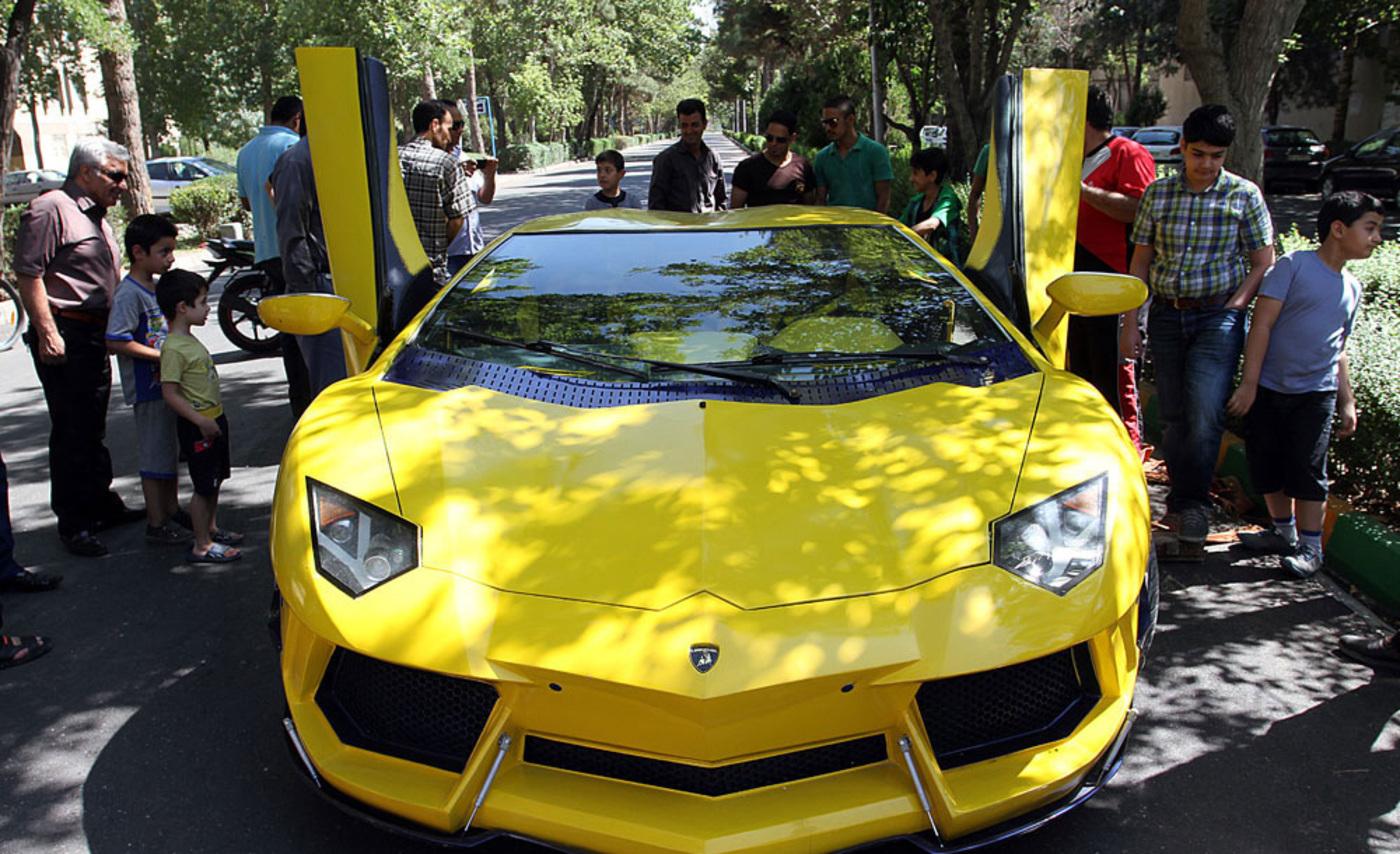 Lamborghini 8 w1400