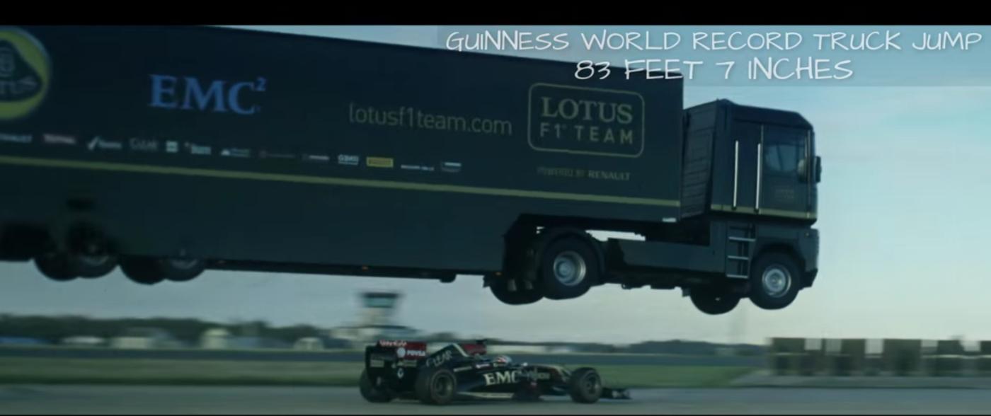 Lotus f1 truck jump w1400