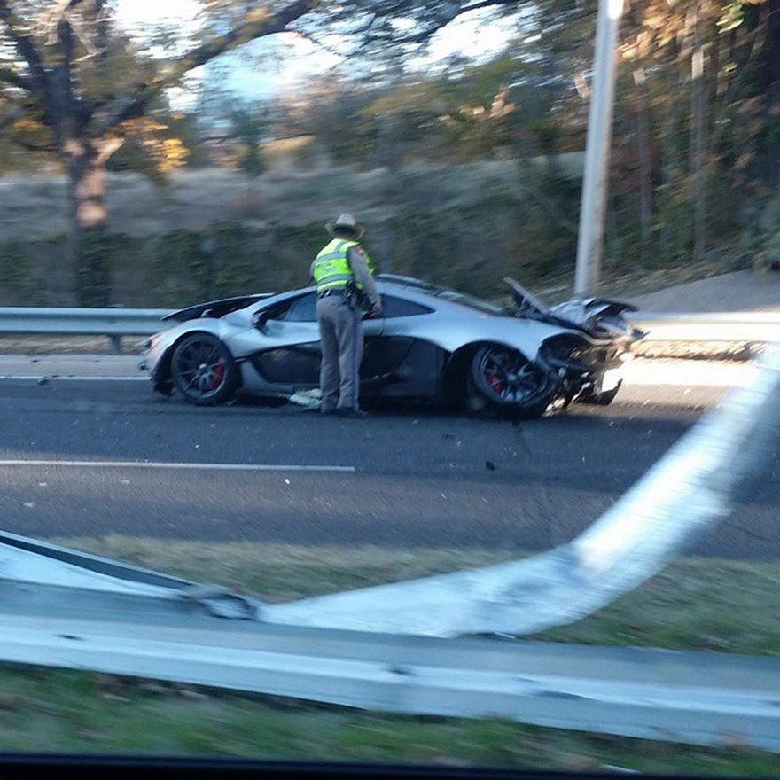 Crashed mclaren w1400