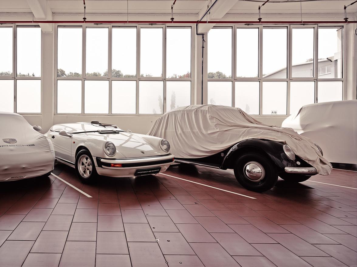 Porsche warehouse 1 w1400