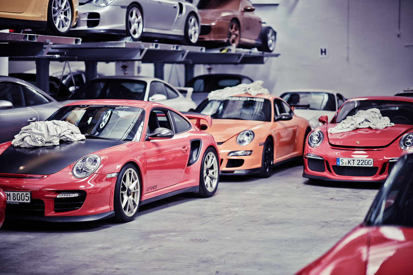 Porsche warehouse 2 w1400