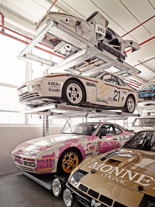 Porsche warehouse 4 w1400
